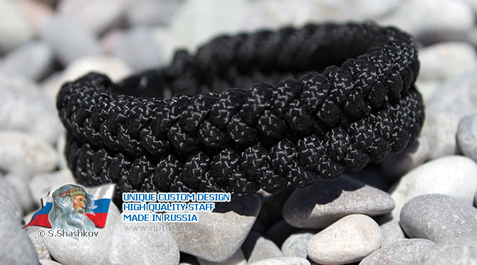 "Classic Military Style - Exclusive bracelet ""Tread"" of paracord"